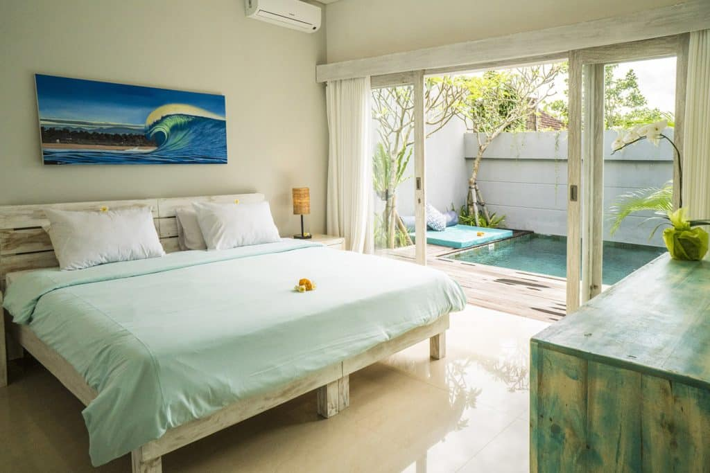 Villa Mahi Mahi Bedroom with Pool