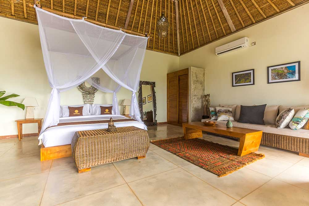 king bedroom at sunhouse balangan bali