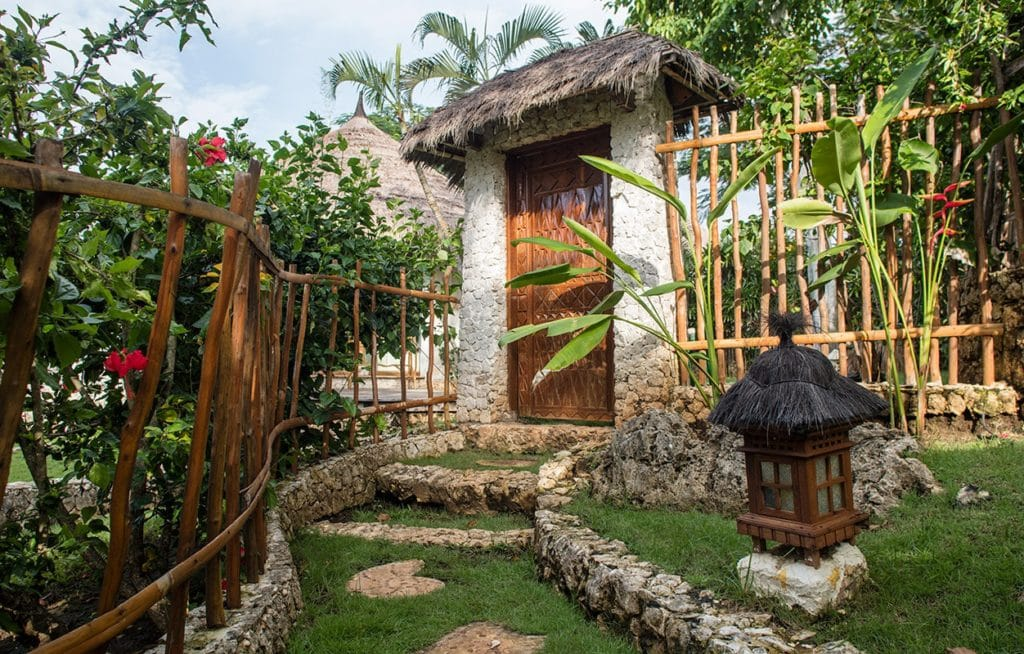 la joya tropical garden door balangan cliff