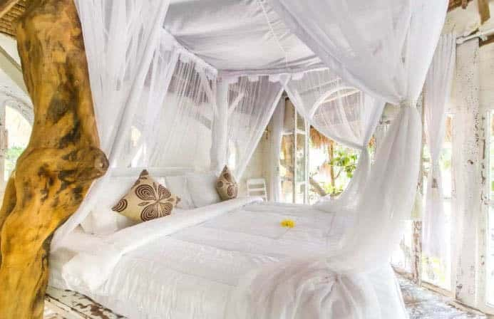 Romeo Treehouse Bedroom